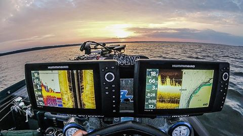 Finished off a 16 hour on water day yesterday scanning some offshore grass with my Humminbird Helix 10